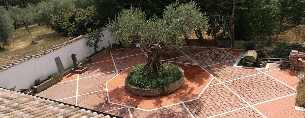 ristrutturazione pavimento cortile roma